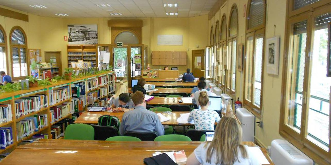Biblioteca Pública Municipal Salón