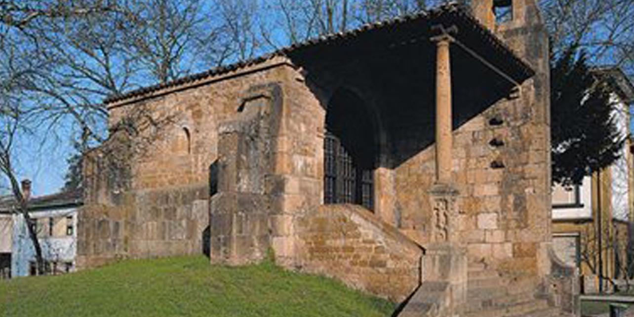 Capilla de Santa Cruz y dolmen