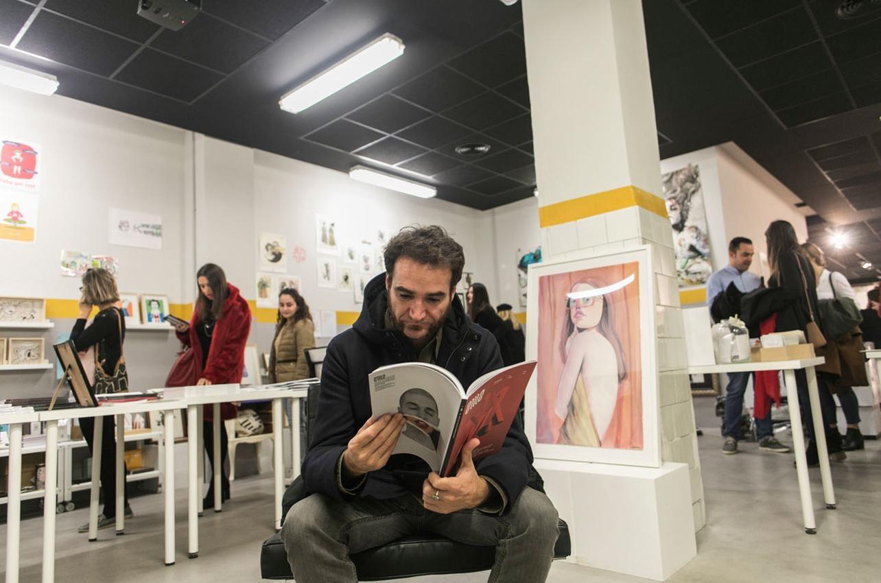 Los ilustradores valencianos protagonizan las obras de esta tienda. Foto: Eva Máñez