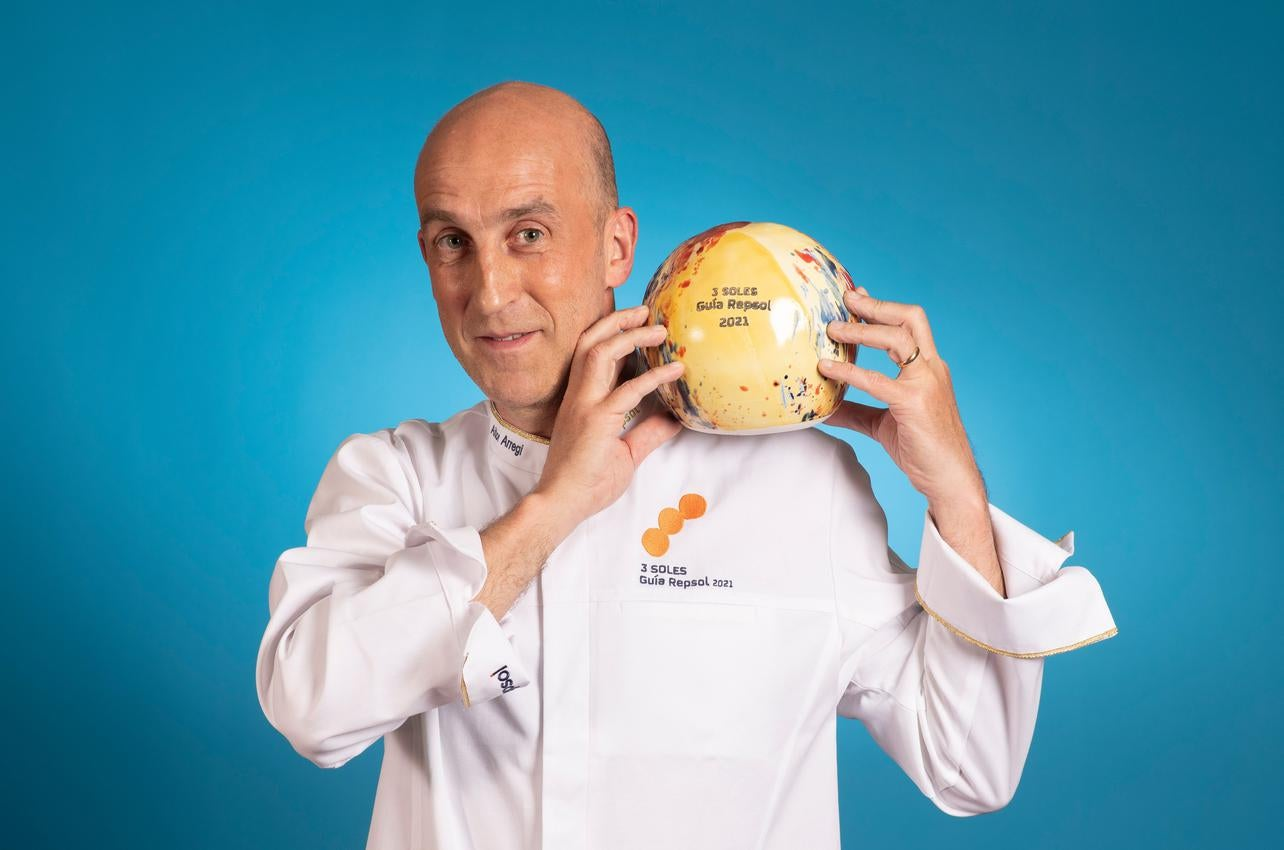Aitor Arregi, con los tres Soles por Elkano, recibido por primera vez en 2021