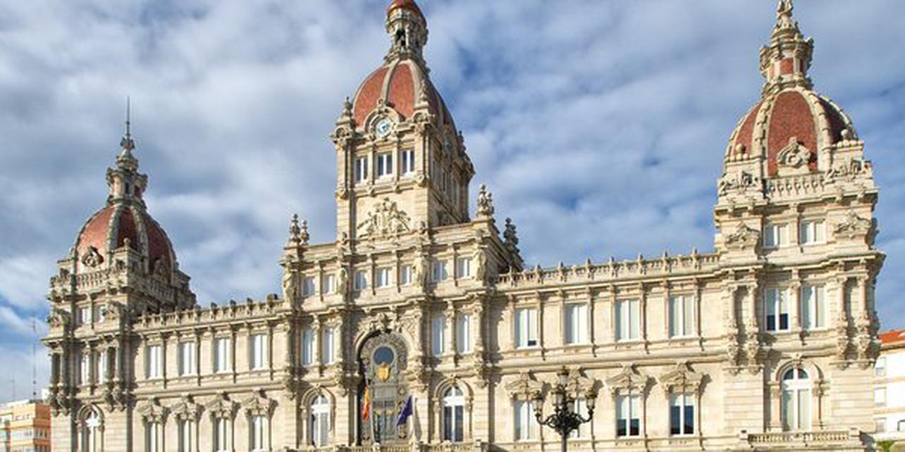 Palacio Municipal y plaza de María Pita