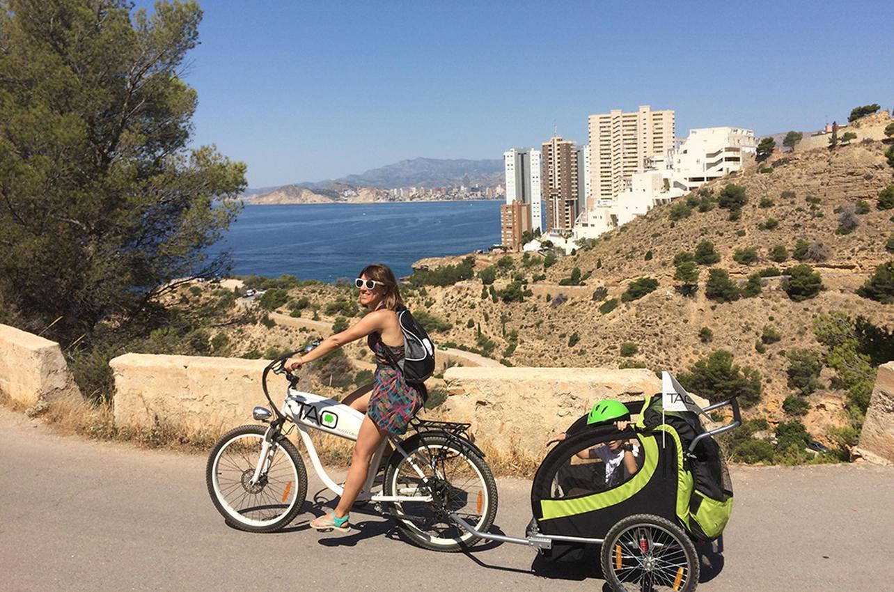 Un paseo en bicicleta por el Parque Natural de Serra Gelada. Foto: Johana Saldón