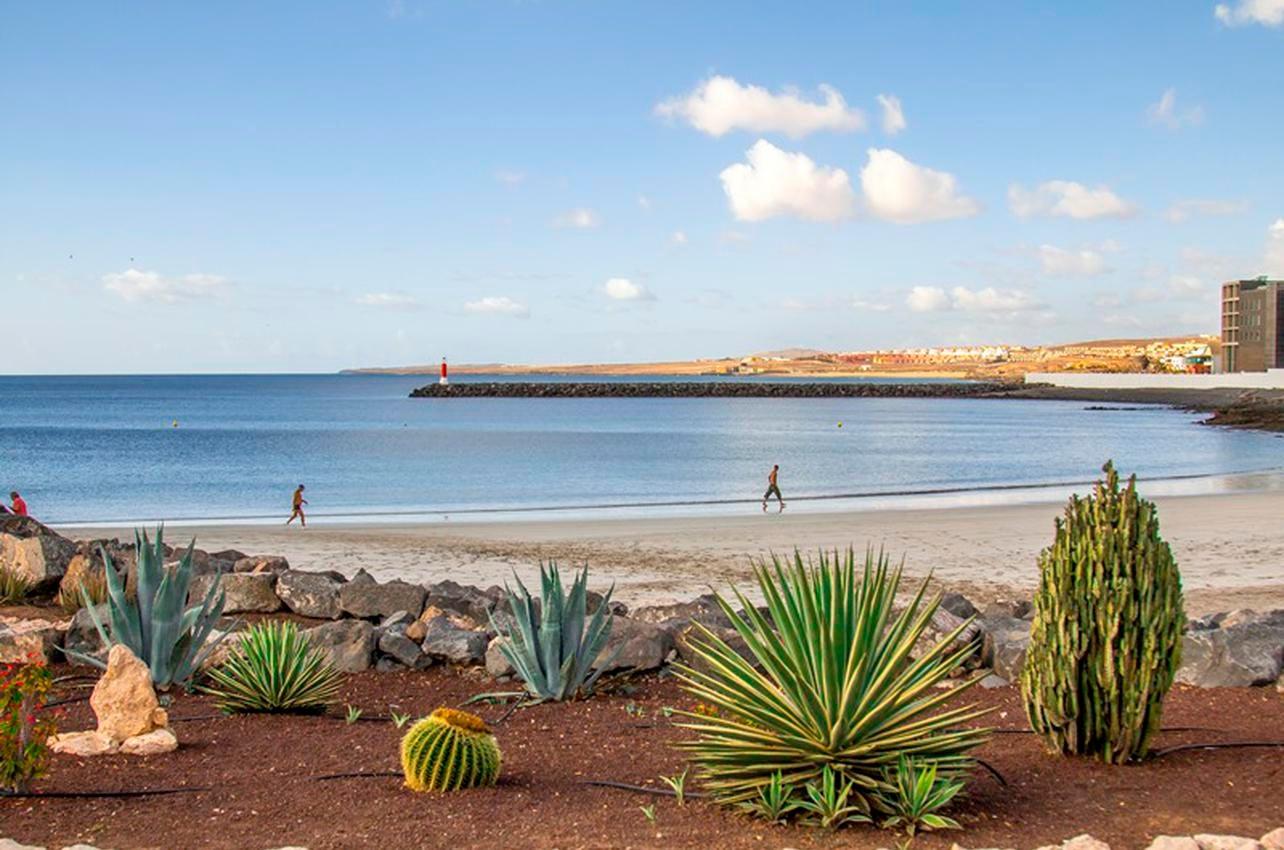 Las playas del Puerto del Rosario invitan al descanso y al relax.