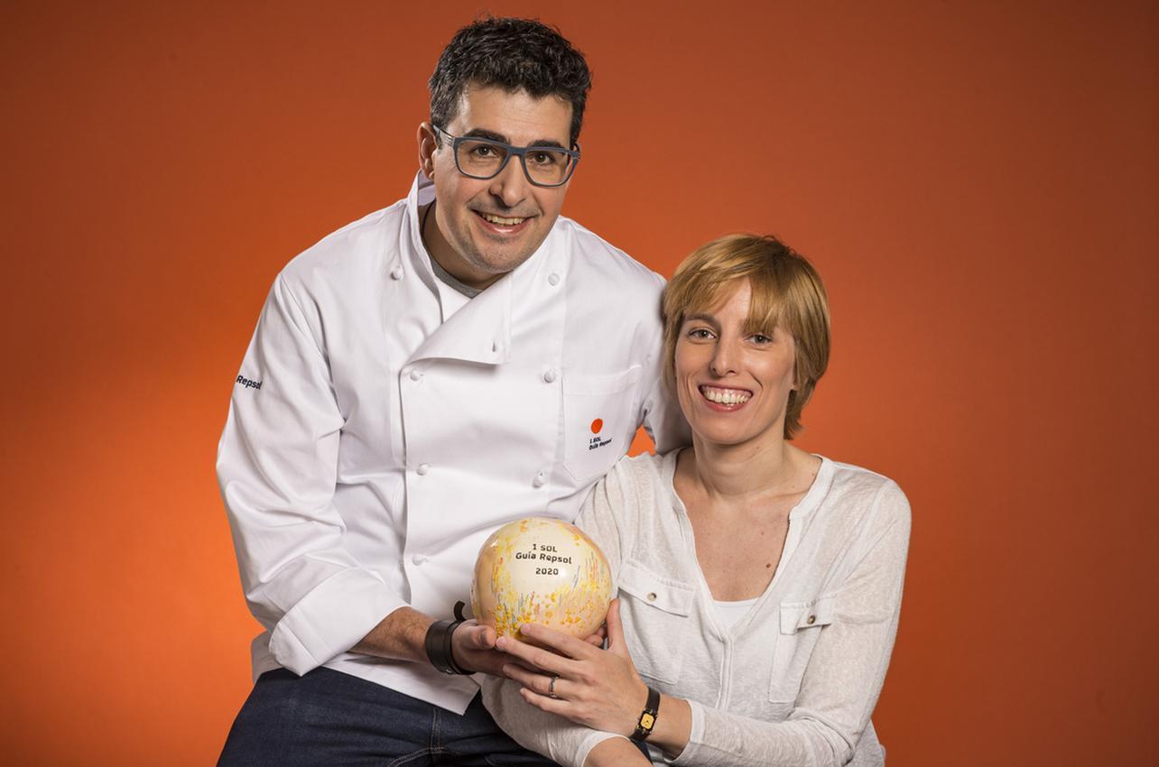 María Viqueira y Jorge Maestro con su primer Sol otorgado por Nöla en 2020.