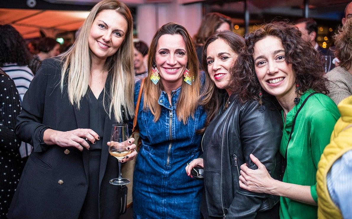 Fiesta Pre Gala Soles (San Sebastián) - Begoña Rodrigo con las chicas de Repsol