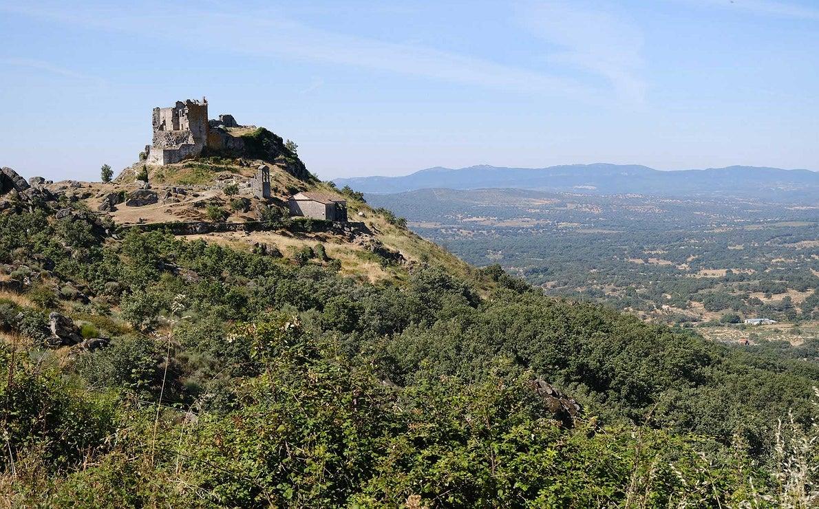 El castillo de Trevejo, Sierra de Gata, Cáceres.