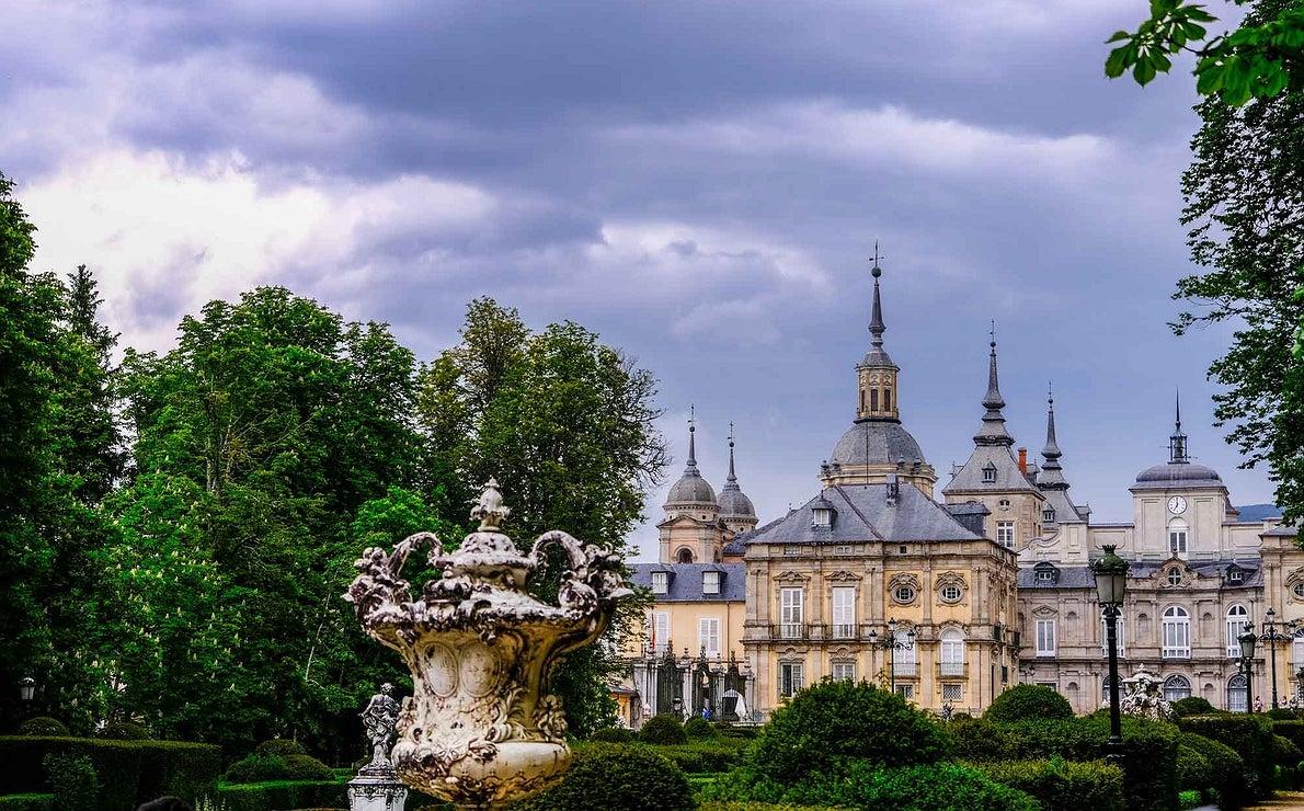 El palacio real de la Granja de San Ildefonso visto desde la fuente de La Fama.