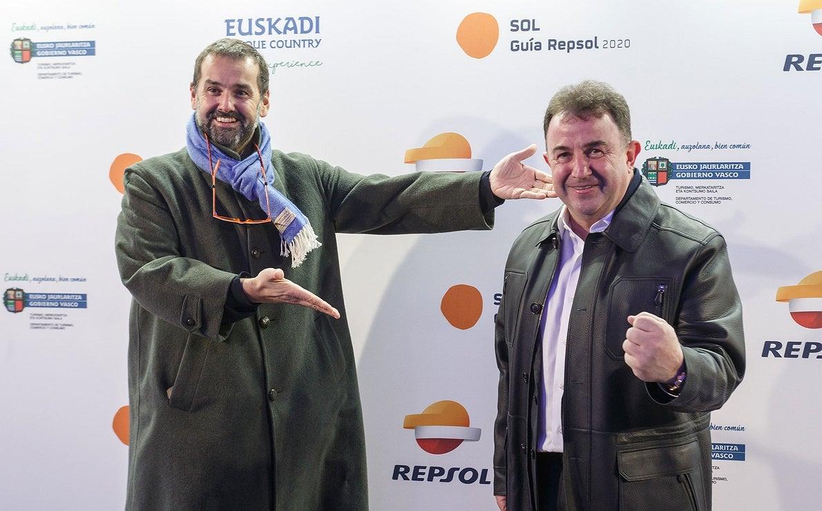 Photocall Gala Soles Guía Repsol - David de Jorge con Berasatagui