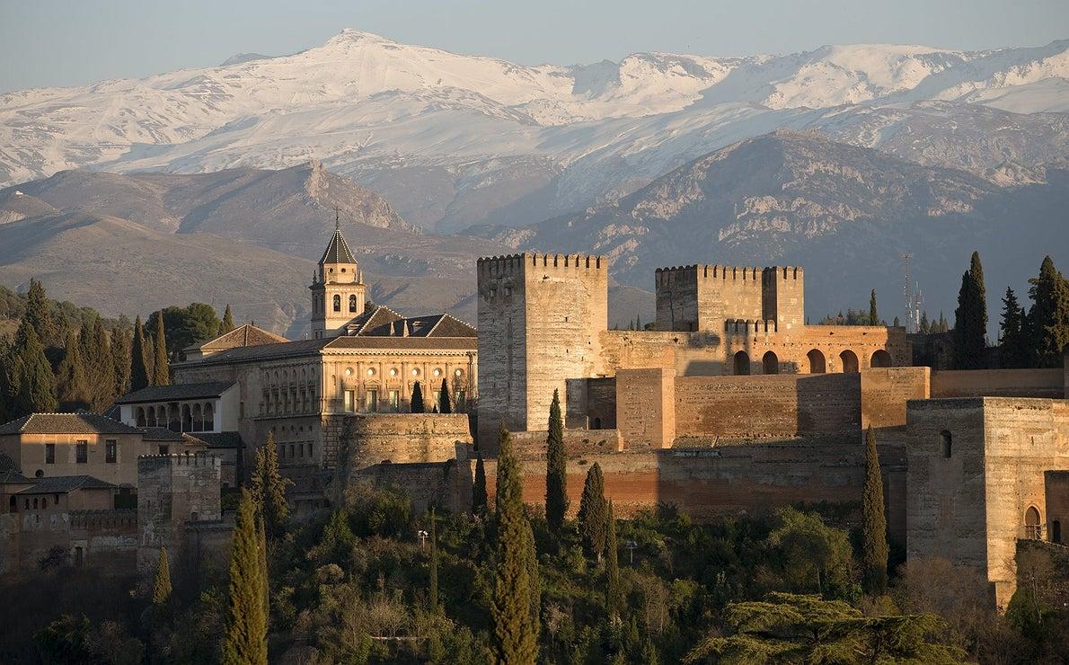 Sierra Nevada y la Alhambra compiten en belleza