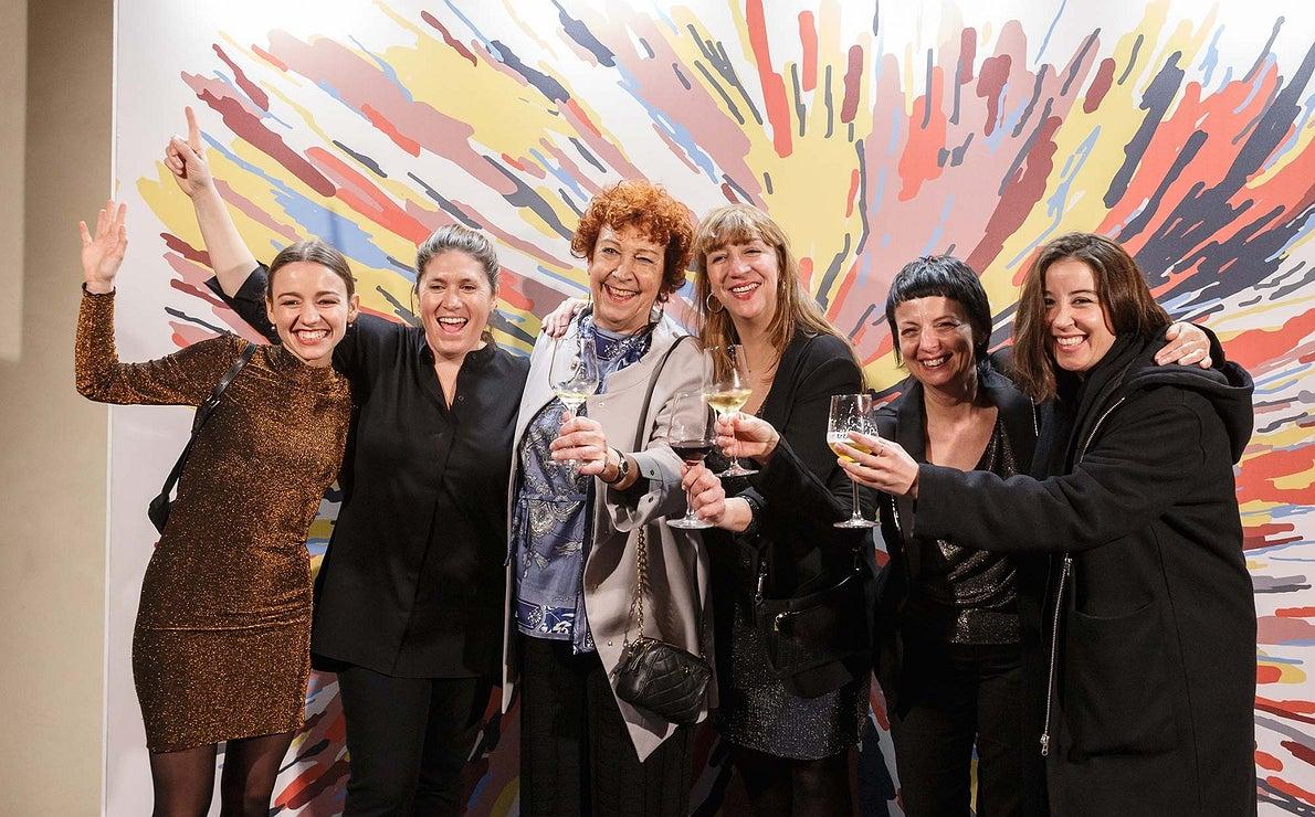 Photocall Gala Soles Guía Repsol - Apertura - Cocineras celebrando los Soles