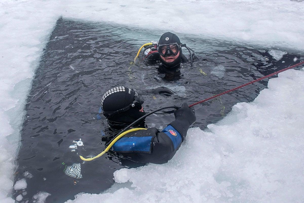A punto de desaparecer bajo el hielo.