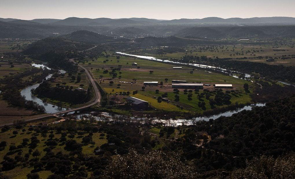 Meandros que configura el río Guadiana.