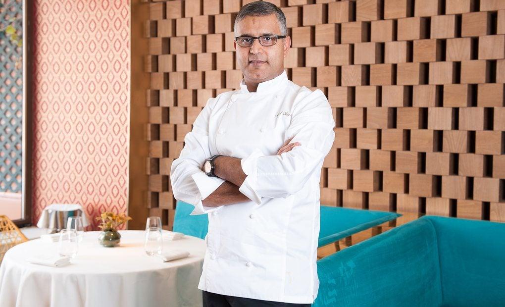 El chef en su restaurante 'Benarés' de Madrid.