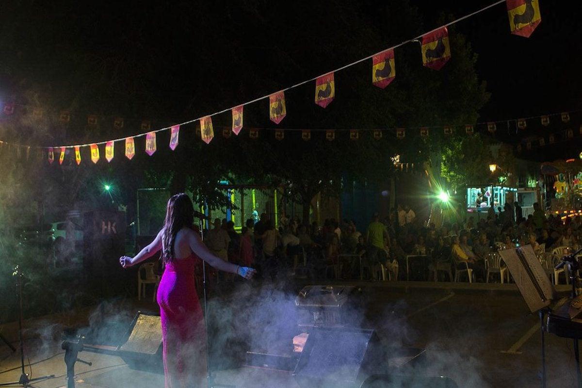 Actuación en la Verbena de la Magdalena.