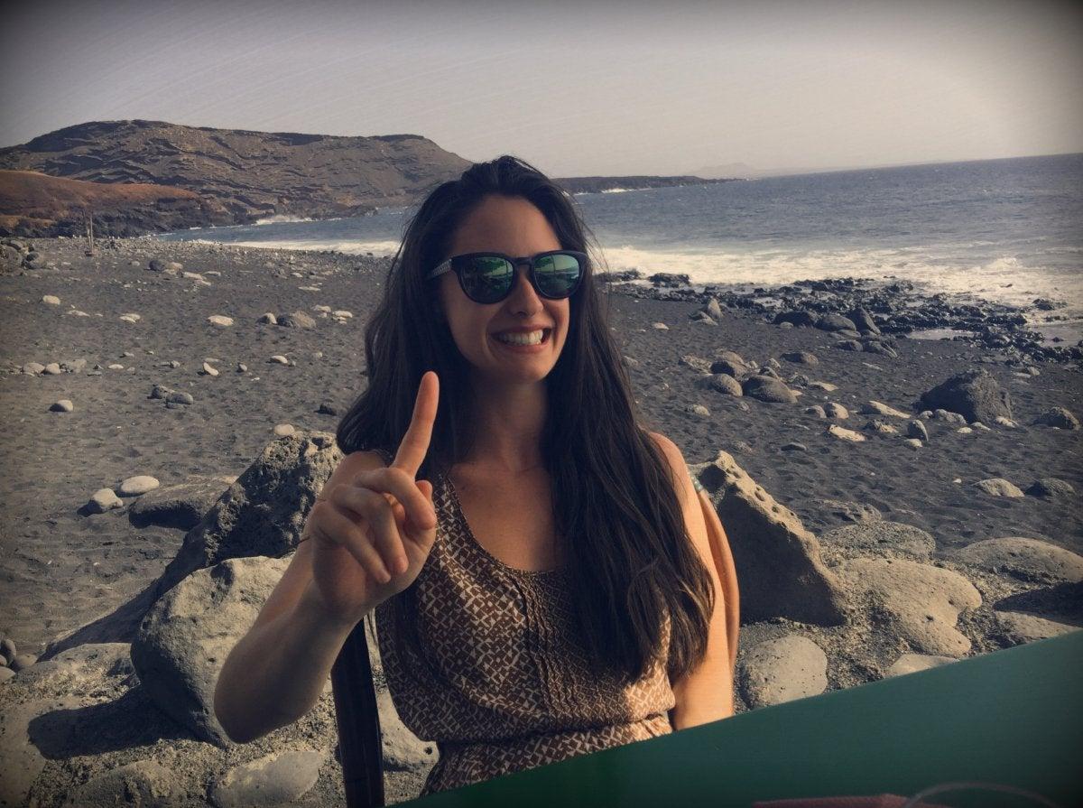 Elena Rivera disfrutando de unas vacaciones en Lanzarote.