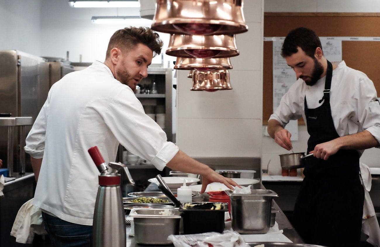 Restaurante 'Alma' (Pamplona) - Leandro Gil en cocina