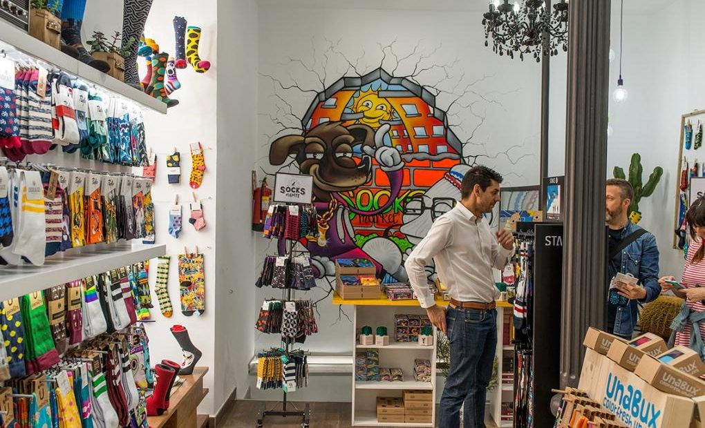 En 'Socks Market' solo venden un producto: calcetines. Eso sí, las opciones son casi infinitas.