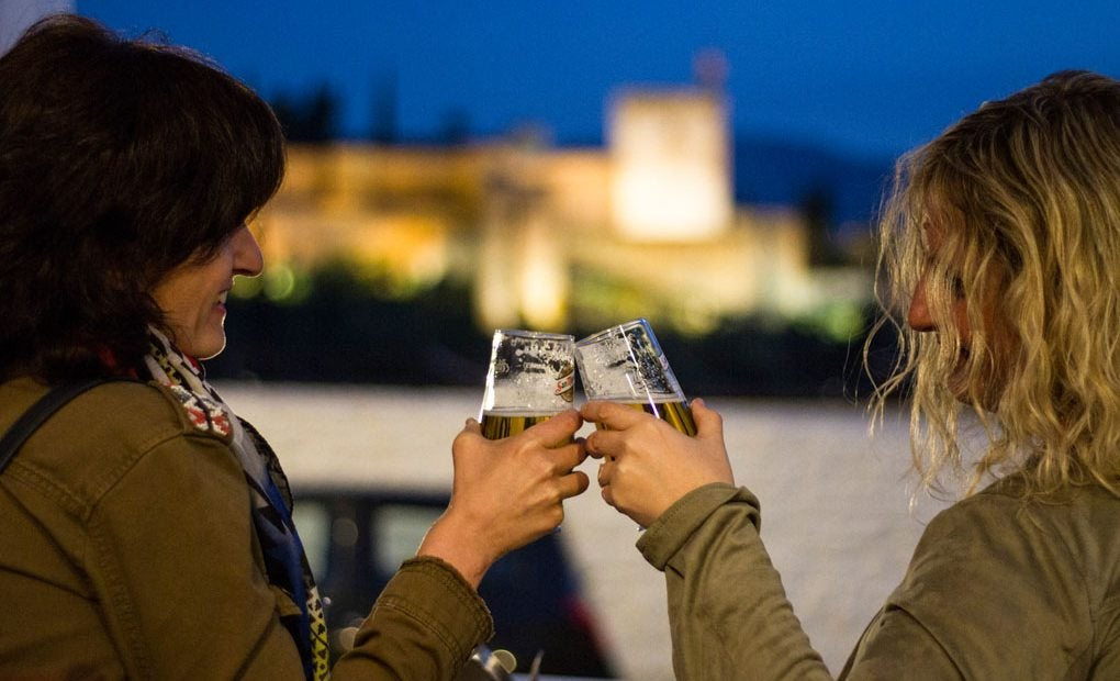 ¡Brindemos por Granada!