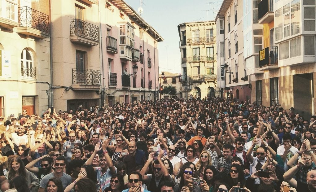 Escenario del Ebrovisión en la plaza de Miranda. Foto: ebrovision.com