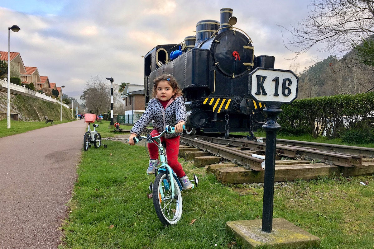 Retroceder en el tiempo montado en bici y en familia. Foto: Guillermo Calvo