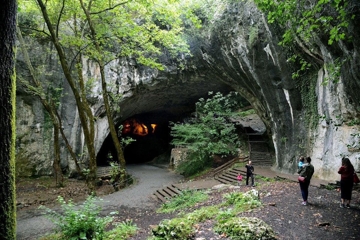 Zugarramurdi: Cueva de las Brujas. Foto: Alfredo Merino | Marga Estebaranz